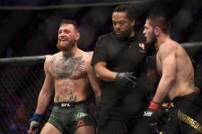 Макгрегор не смог победить боксёра-любителя. Даже подлый удар не помог