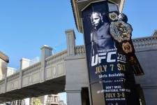 «Самый опасный человек на земле». Герои UFC 226 в соцсетях