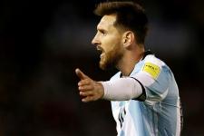 Бог не подыгрывает руками. Аргентина снова молится на Месси