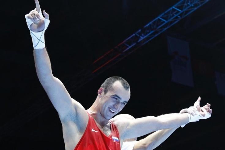 Замковой, Бакши и Гаджимагомедов стали чемпионами мира по боксу 2019 года