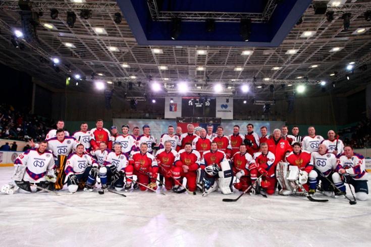 Матч легенд хоккея за Северным полярным кругом