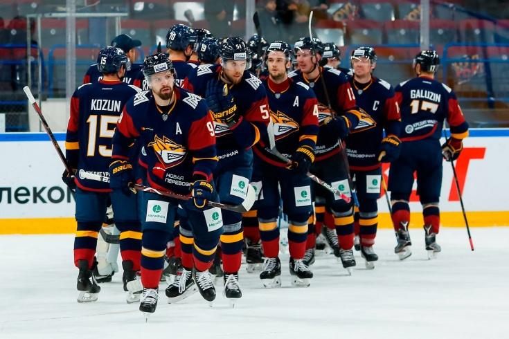 «Металлург» опустился на последнее место в турнирной таблице КХЛ