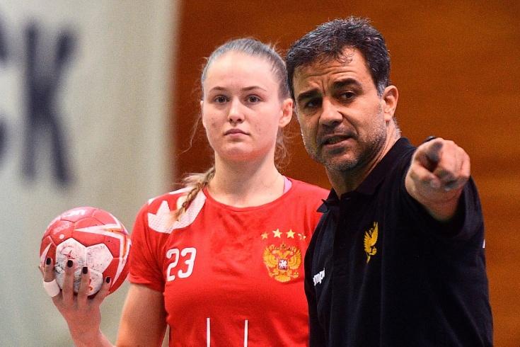 Амброс Мартин руководит россиянками