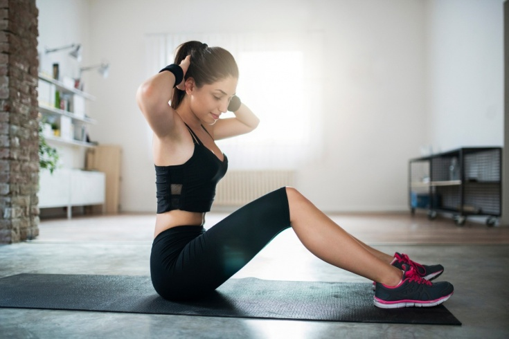 Упражнения для эффективной тренировки дома, инструкция от тренера, видео