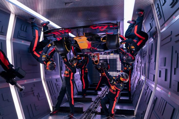 Команда Формулы-1 «Ред Булл» провела пит-стоп в невесомости