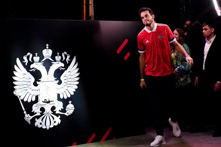 Форма сборной России: adidas говорит, что РФС согласовал дизайн