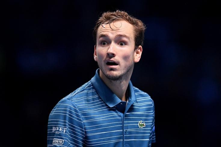 Медведев проиграл Надалю в Лондоне с матчбола и двух брейков