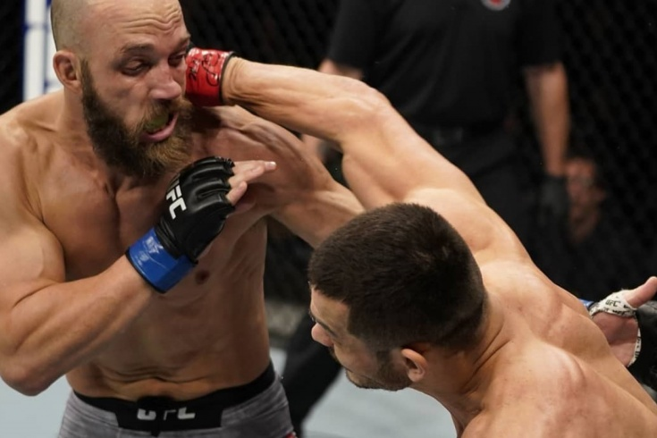 Жёсткие нокауты в MMA, Мурадов нокаутировал Смита в UFC 7 декабря