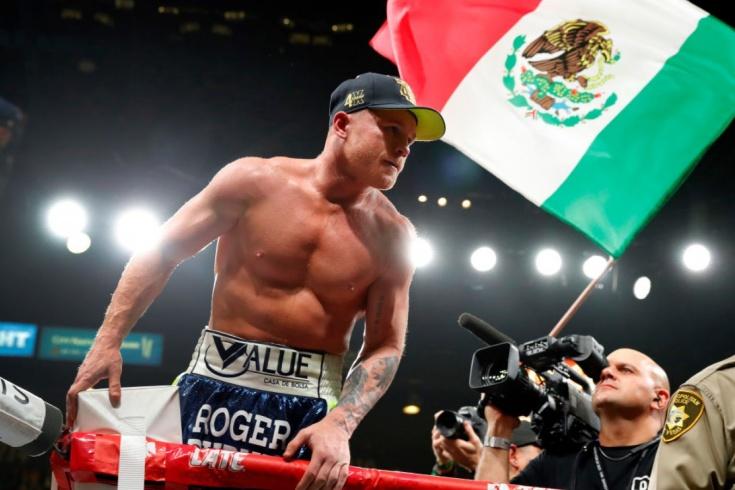 Сауль Альварес четвёртый в истории бокса чемпион мира в четырёх весах