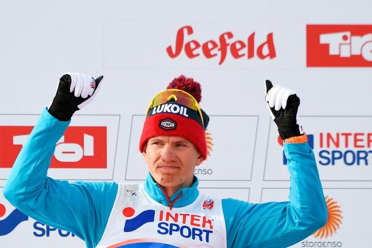 Россия сделала золотой дубль в лыжной эстафете, опередив Норвегию