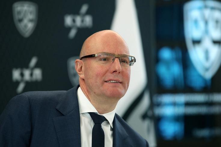 Президент КХЛ Дмитрий Чернышенко – о поле и потолке зарплат