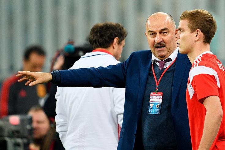 Черчесов ответил критикам сборной России