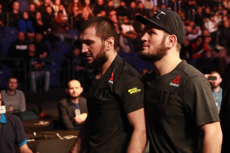 Брат Хабиба Нурмагомедова Абубакар проиграл на UFC в Москве Давиду Заваде