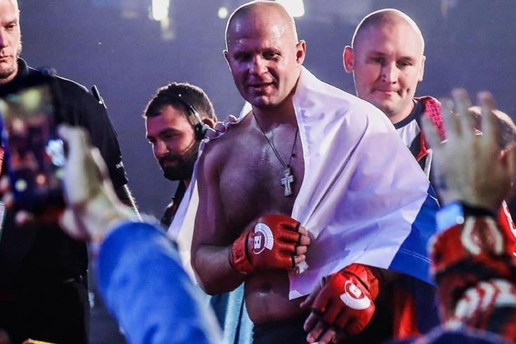 Фёдор Емельяненко победил Куинтона Джексона нокаутом в 1 раунде, 29 декабря, Япония, Токио