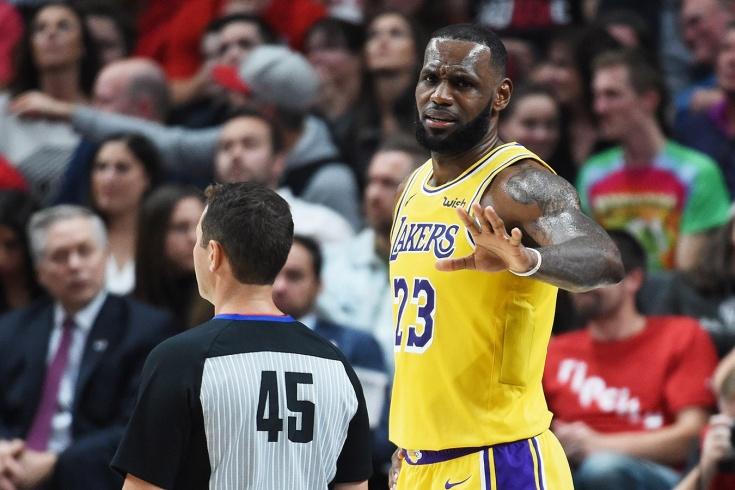 Леброн Джеймс диктует судьям НБА новые правила игры