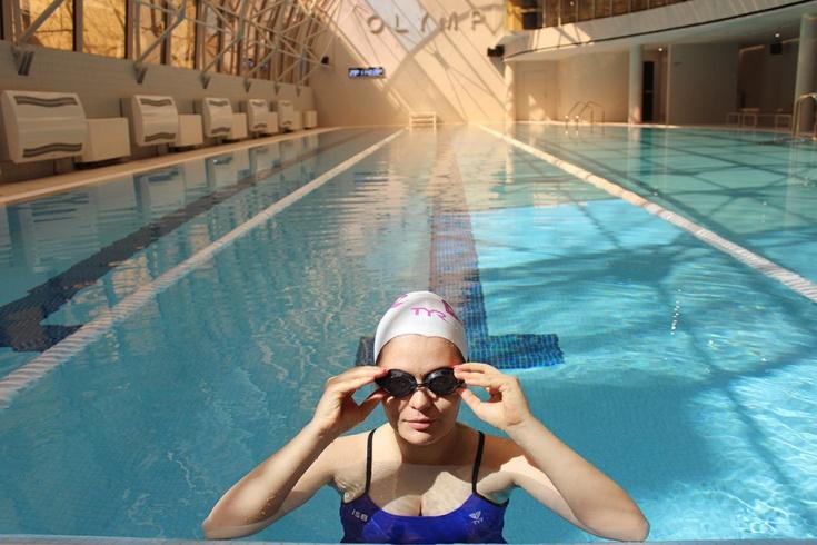 Любителям плавания российское издание советует устроить заплыв на красивейшем озере Севан в Армении